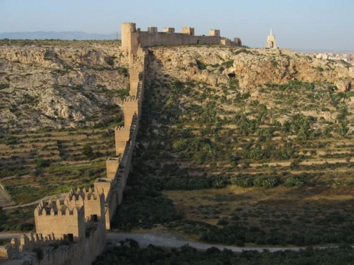 Muralla_Almería-690x517
