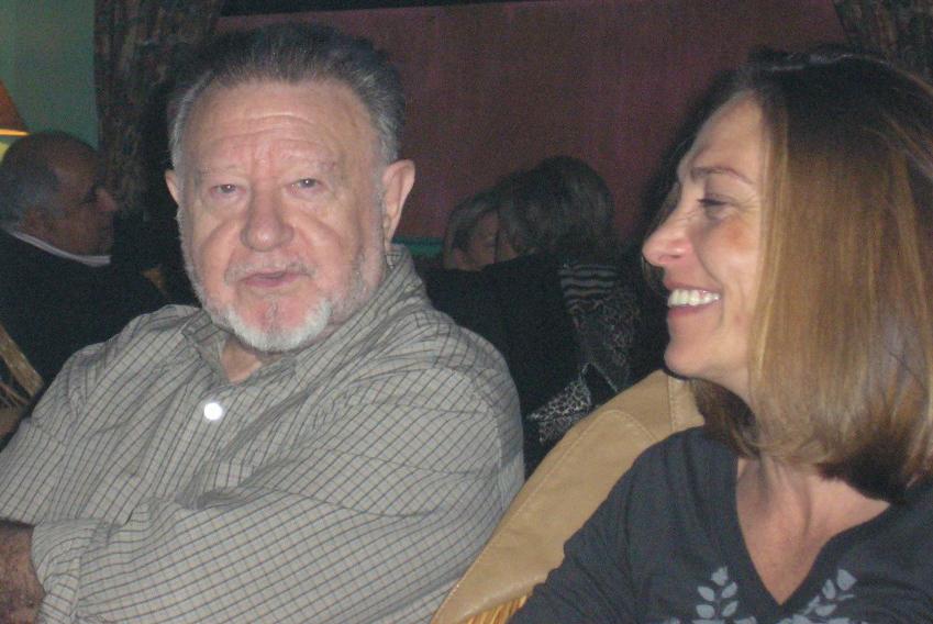 El escritor Medardo Fraile y Emilia Lanzas, al final de la entrevista.
