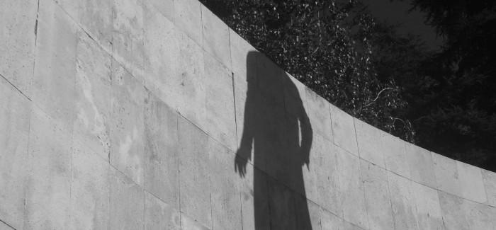 Seminario-Taller LA POESÍA SORPRENDIDA (La poesía por otros medios)