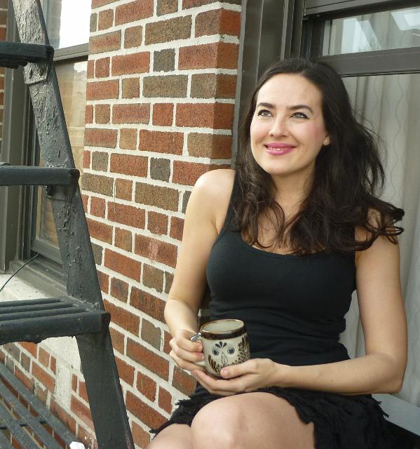 La joven escritora Marina Perezagua, sevillana de nacimiento y neoyorquina de adopción.