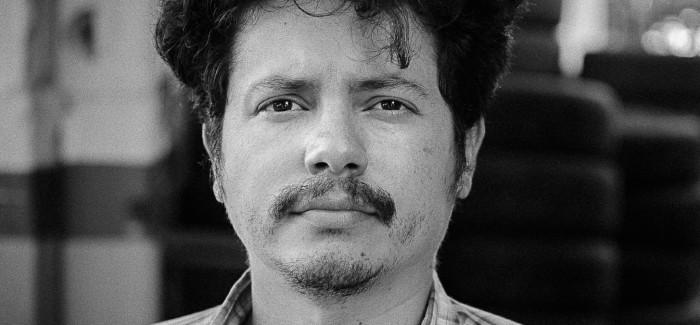 Fco. Bitar: «Con mi literatura pretendo establecer un diálogo sobre la insuficiencia de la vida»