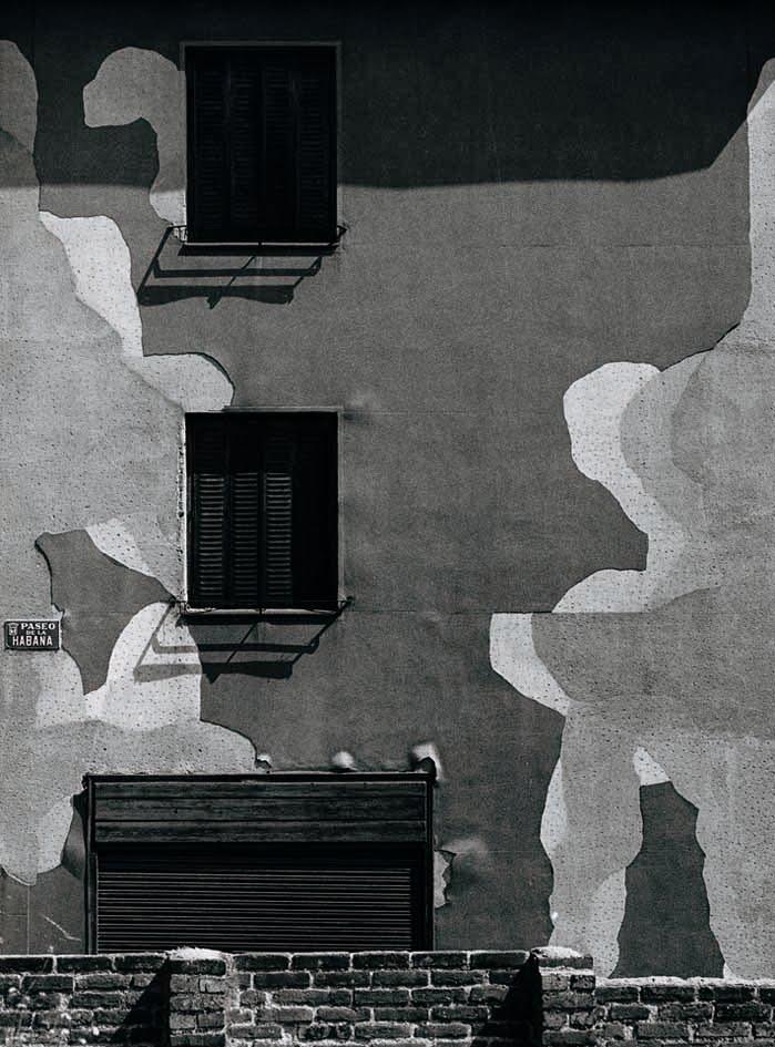 fachada-en-el-paseo-de-la-habana-1974-paco-gomez