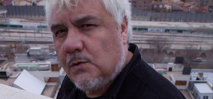 Julio Jurado y 'El Bombardero azul':  «La vida es como una pared a la que estamos continuamente golpeando»