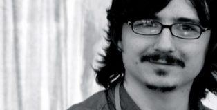 El escritor Claudio Cerdán. fotografía de Laura Muñoz Hermida.
