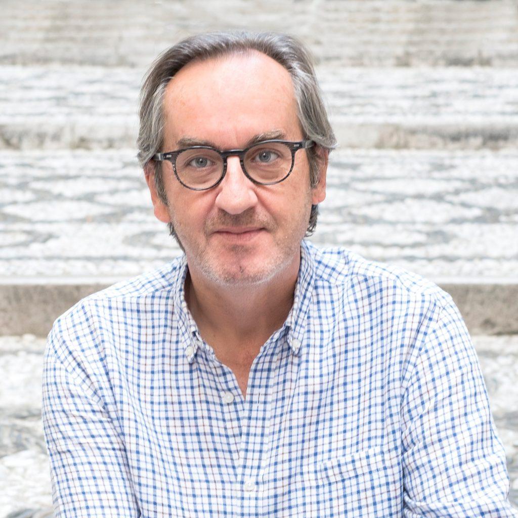 El poeta, escritor y editor Javier Bozalongo. (Fotografía de Joaquín Puga).