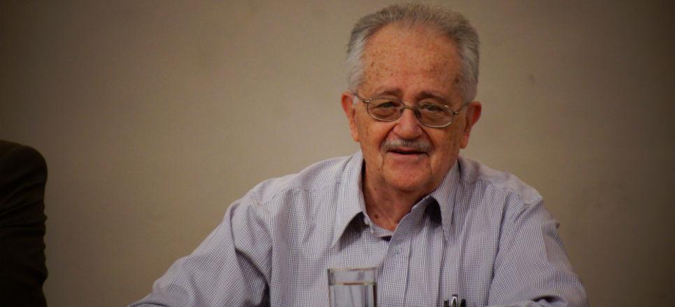 José de la Colina (Santander, 1934) escritor, periodista, ensayista y crítico literario residente en México desde 1940.