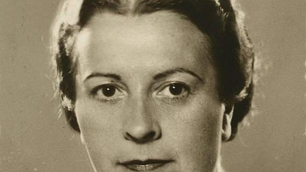 Elena Fortún (Madrid, 1886- 1952). Escritora dedicada a la literatura infantil y juvenil. Creadora del personaje de Celia.
