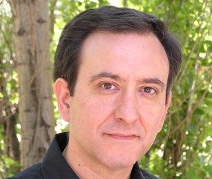 Libro homenaje a Eduardo García: 'La lluvia en el desierto. Poesía completa (1995-2016)', al cumplirse un año de su muerte