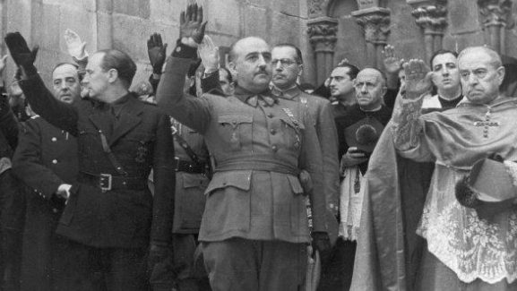 Recogida de firmas para derogar los Acuerdos franquistas con la Santa Sede