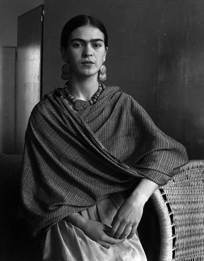 Frida Kahlo por Imogen Cunningham, en su exposición 'Flores y retratos', en el hotel One Shot.