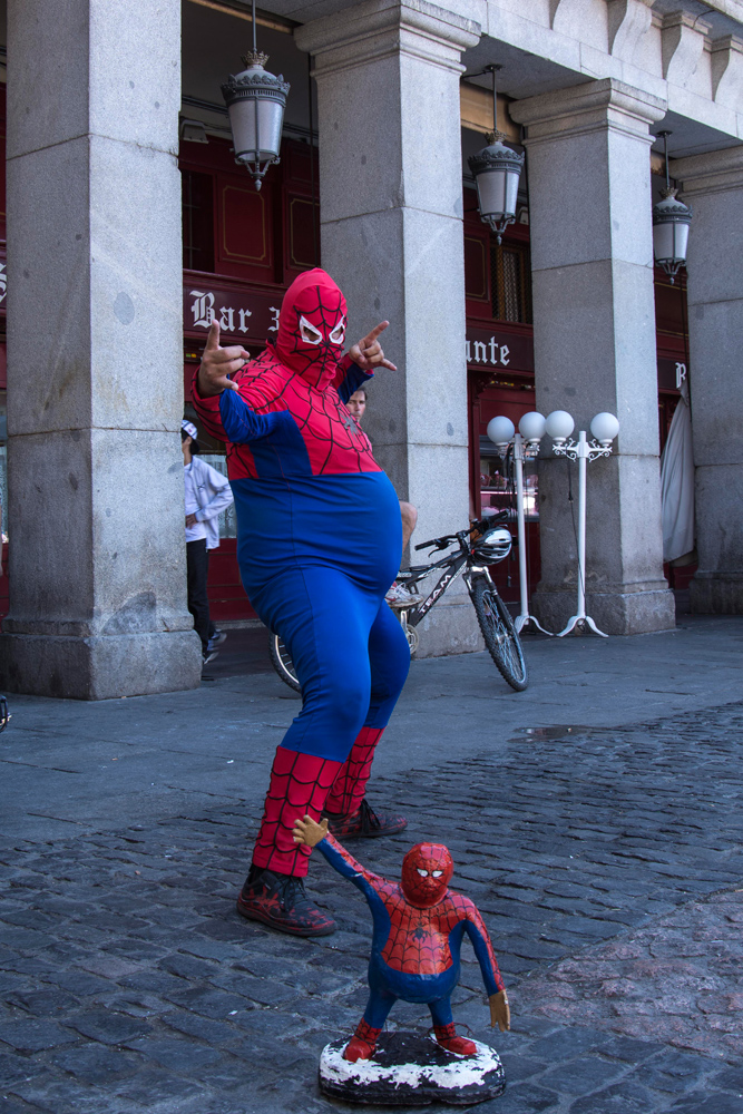Spiderman sindicado, en la Plaza Mayor.