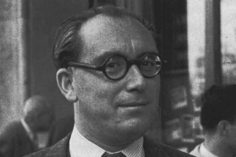 El periodista Augusto Assía, corresponsal en Londres durante la Segunda Guerra Mundial.