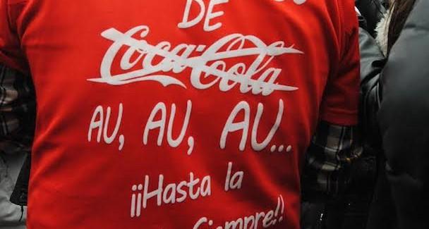 """La """"lucha por la dignidad"""" de los trabajadores de Coca-Cola en huelga ha llegado a Bruselas"""