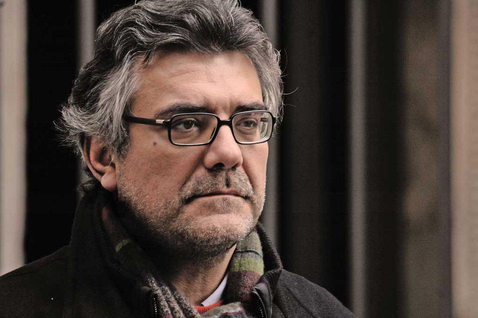 Giancarlo De Cataldo (Tarento, 1956), magistrado, novelista, guionista y dramaturgo.