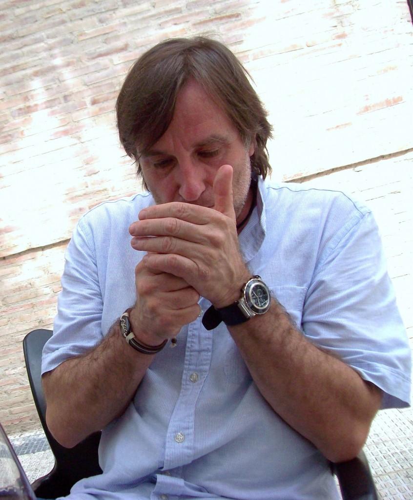 El poeta, novelista, cuentista y traductor Francisco López Serrano.