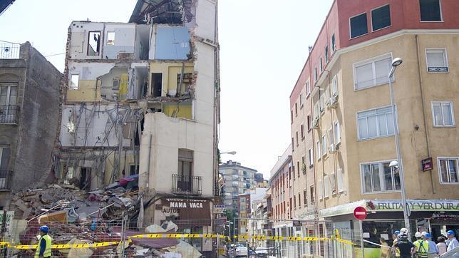 Edificio derrumbado, en el número 1 de la calle Amalia en el distrito de Tetuán.