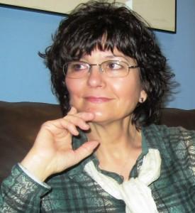 Ángeles Mora, nacida en Rute (Córdoba), vive en Granada desde comienzos de los ochenta.