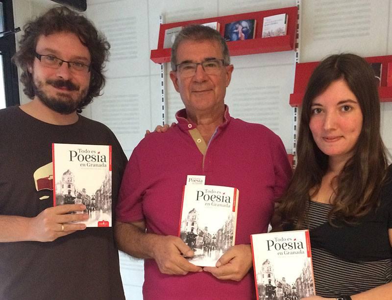 Los poetas Víctor Miguel Gallardo, Martín de Vayas y Mariana Lozano.