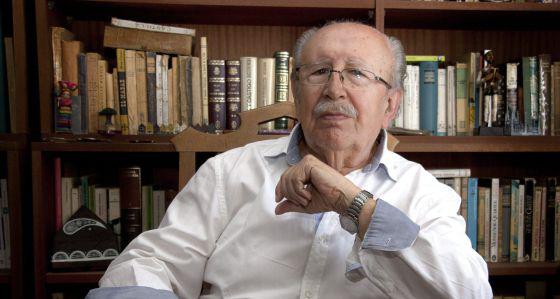 Rafael Guillén (Granada,1933) Premio Nacional de Literatura de España en 1994.