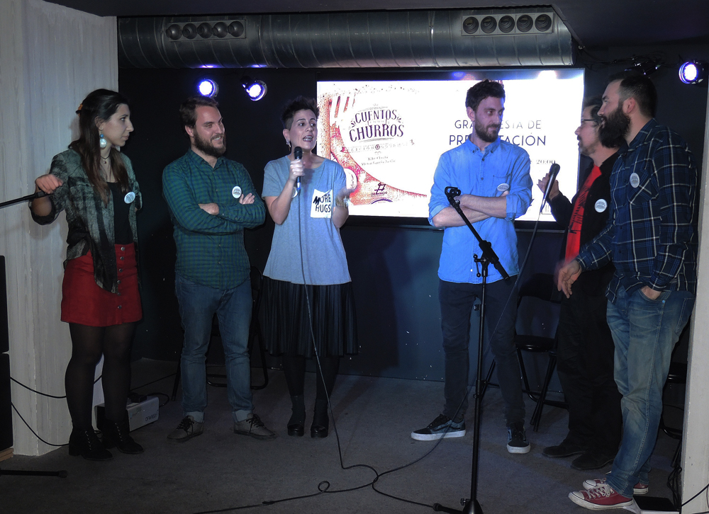 Otro momento de la presentación de «Cuentos como churros», en El Sótano, Madrid. Fotografía: Julio Jurado.