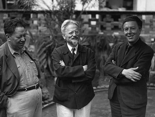 De izquierda a derecha: Diego Rivera, León Trotsky y André Breton, en México.