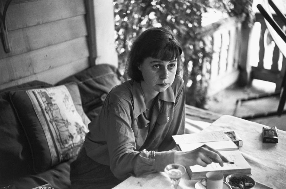 La escritora norteamericana Carson McCullers (1917-1967).