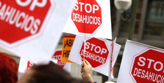 La Plataforma de Afectados por la Hipoteca de Madrid reclama ante el Congreso la condonación de las deudas hipotecarias