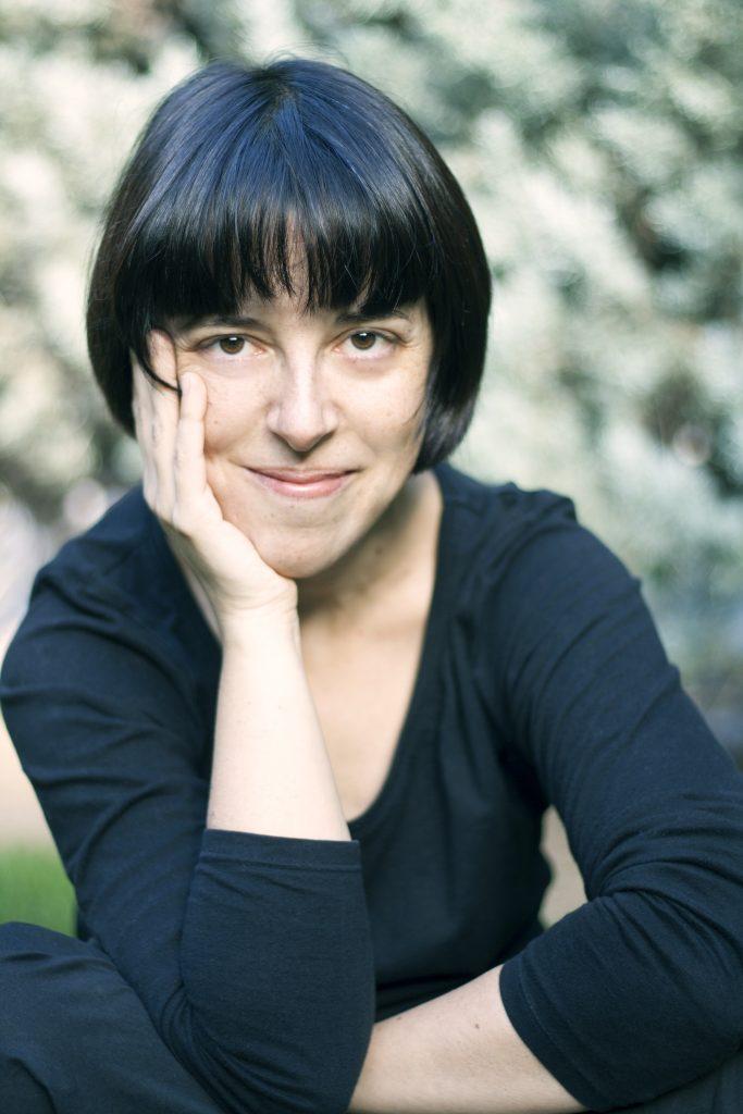 La escritora madrileña Pilar Adón, autora del libro de cuentos La vida sumergida.