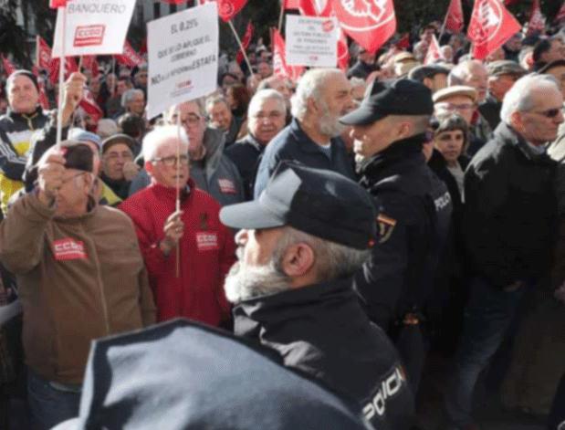 Manifestación de los pensionistas ante el Congreso, el pasado 1 de marzo.