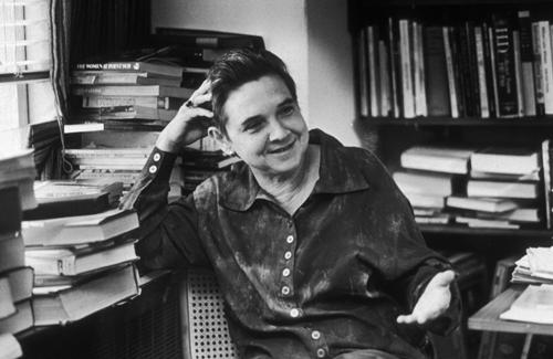 Adrienne Cecile Rich (16 de mayo de 1929, Baltimore, Maryland - 27 de marzo de 2012, Santa Mónica, California), poeta, intelectual, crítica, feminista y activista estadounidense.