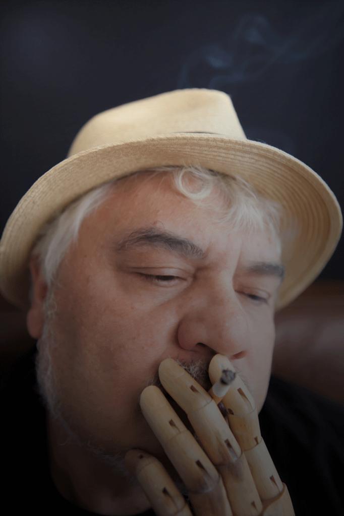 El escritor Julio Jurado, autor de 'Traspiés voluntarios'.