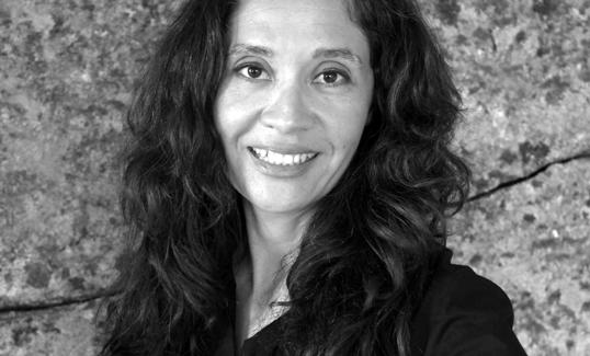 La escritora Pilar Fraile o cómo iluminar esa parte que tiende a permanecer en la sombra