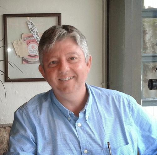 Miguel Sanfeliu, autor de 'Cierta distancia. Manual de supervivencia para amantes de la literatura'.