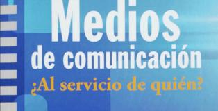 Cubierta de 'Medios de comunicación. ¿Al servicio de quién?', de Jesús González Pazos.