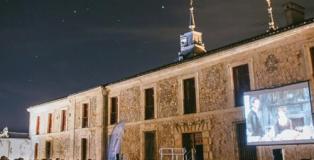 Un año más, vuelve el cine de verano a la localidad madrileña de Nuevo Baztán.