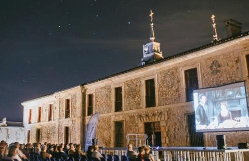 Un año más, vuelve el cine de verano a la localidad madrileña de Nuevo Baztán