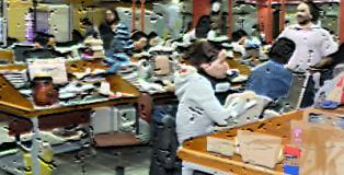 El abuso de becarios y estudiantes en prácticas como síntoma del deterioro del sector periodístico.