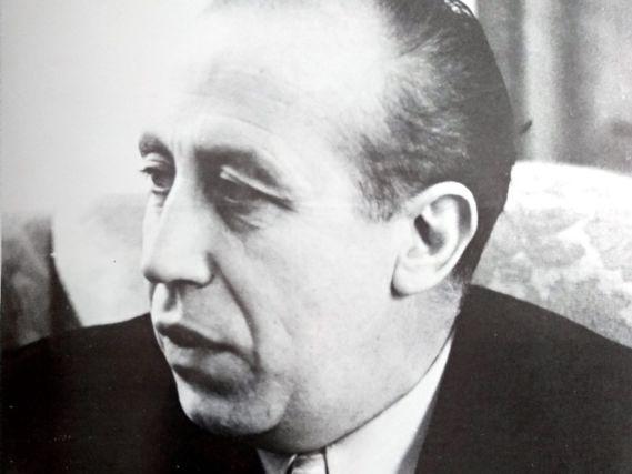 El escritor  Francisco García Pavón.