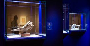 Exposición sobre Rodin con dibujos, recortes y pequeñas esculturas, en la Fundación Canal.