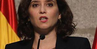 La presidenta de la Comunidad de Madrid, Isabel Díaz Ayuso, comparece en rueda de prensa para detallar las nuevas medidas en la región ante la COVID-19.