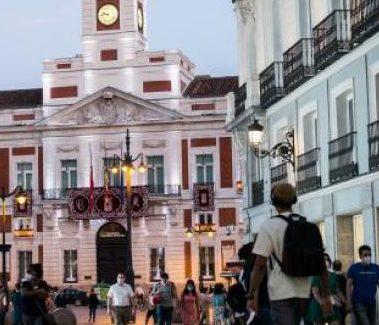 Nuevas restricciones por el avance de la COVID-19 en diez localidades de la Comunidad de Madrid, incluida la capital