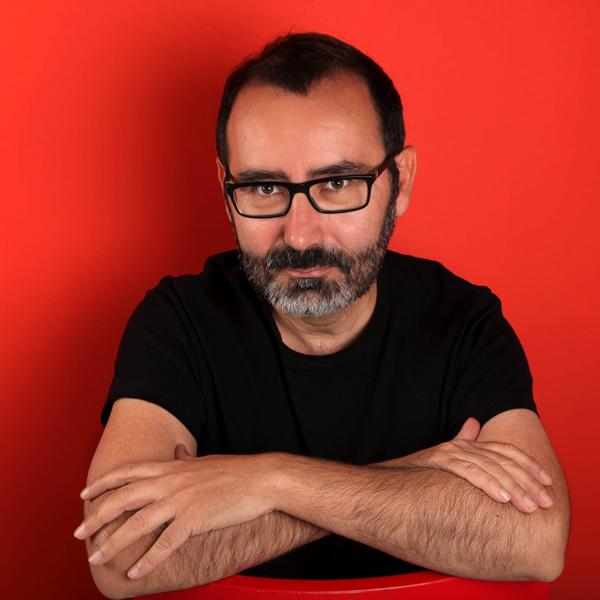 El escritor Javier Morales, autor de La moneda de Carver. (Fotografía de Isabel Wagemann).