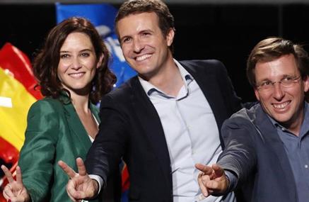 El revisionismo histórico de Pablo Casado: también Franco lo hizo con la causa general